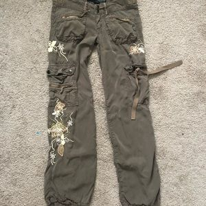Guess Dark Green Cargo Pants w/ Flower Embroidery